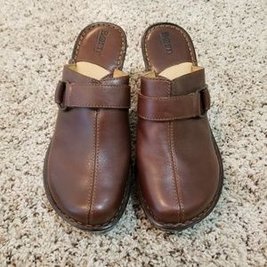 BNWOT Born Patten Leather Clogs
